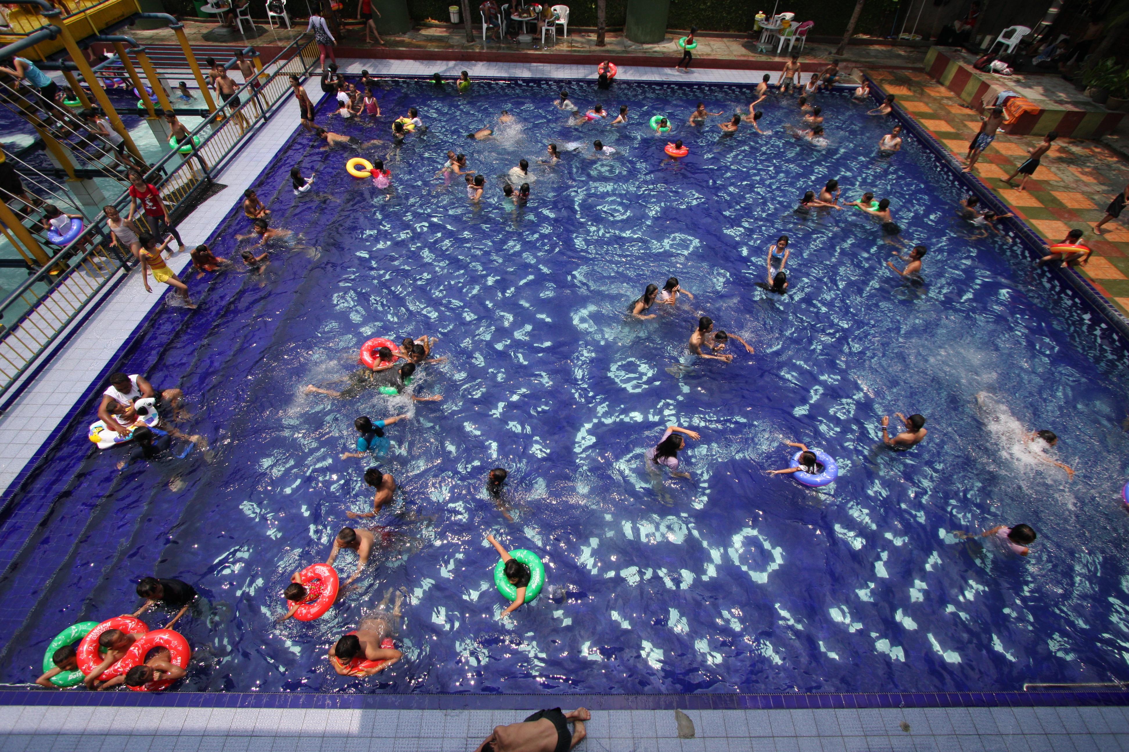 Pondok Wisata Hobihobi Kolam Renang Anak Tersedia Fun Games Dengan Seluncuran Yang Cocok Untuk Dan Wisma Dikelilingi Penginapan